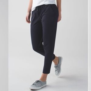 Lululemon jet crop loun denim